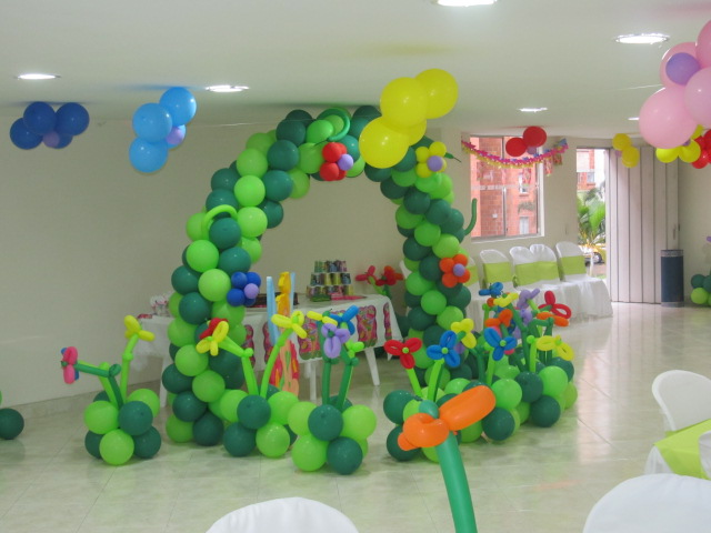 Fiesta tematica decoracion con globos campanita tinker - Globos fiestas infantiles ...