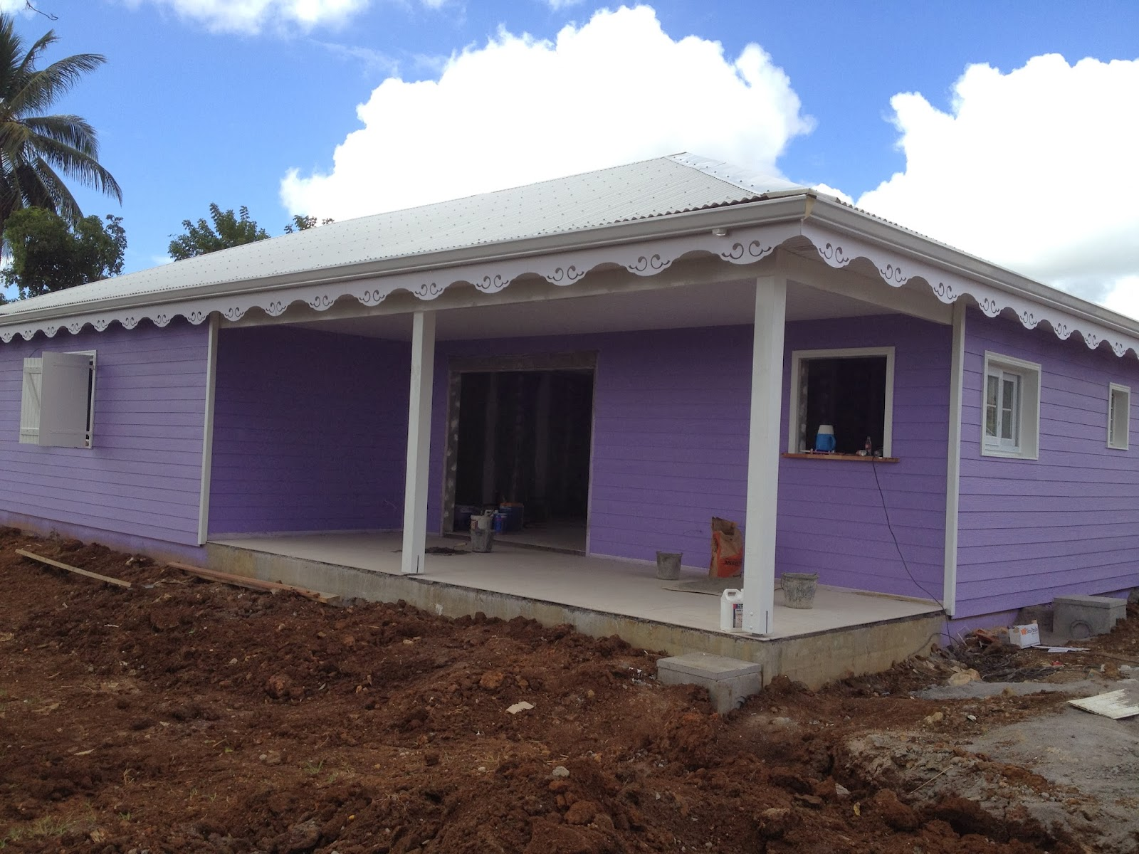 Notre maison sibat en martinique ca ressemble une maison for Peinture exterieure maison