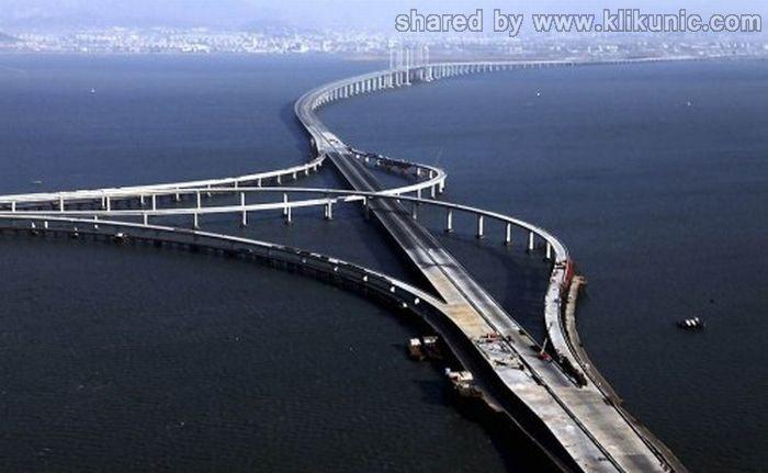 http://4.bp.blogspot.com/-p8X8s-5PhEg/TXWX0VcnthI/AAAAAAAAQPs/HzxQZNecTgY/s1600/bridges_01.jpg