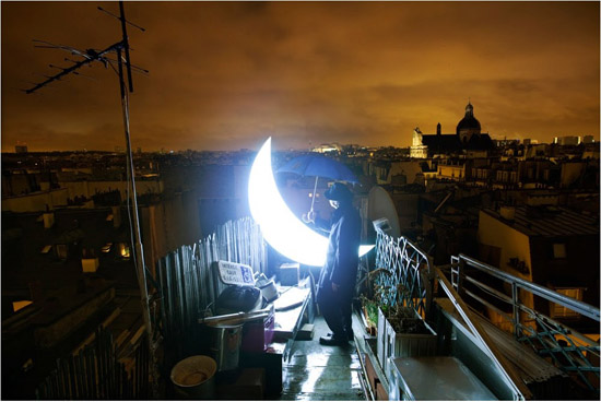 بالصور قصة رومانسية بين رجل ووجه القمر 7.jpg