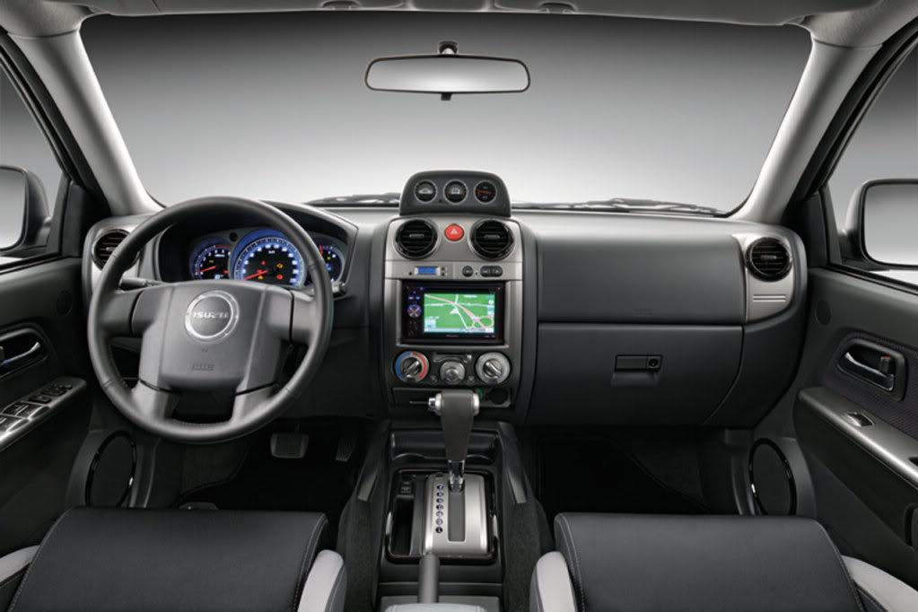 Isuzu D-Max 2013 Interior