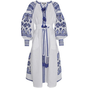 Vestido branco bordado na etsy.com