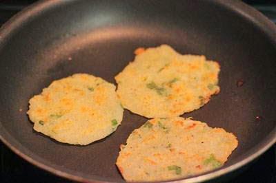 Vietnamese Recipes Vegetarian - Bánh Khoai Tây Chiên Giòn