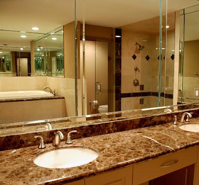 Ducha de ba o clasico y elegante cocinas y ba os for Banos pequenos con ducha modernos y elegante