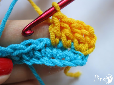 Joining New Yarn - step by step instruction by Pingo - The Pink Penguin