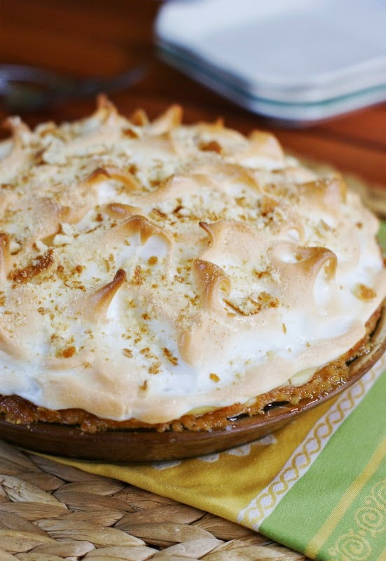 The Kitchen is My Playground: Banana Pudding Pie {& 'POP's' D...