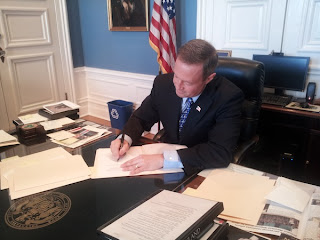 O'Malley signing bill