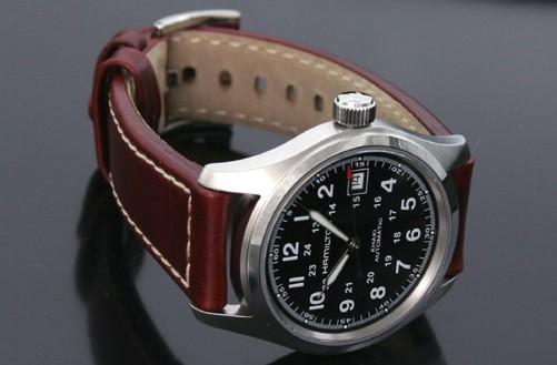 blog de montres description de la montre hamilton khaki field h70455533. Black Bedroom Furniture Sets. Home Design Ideas
