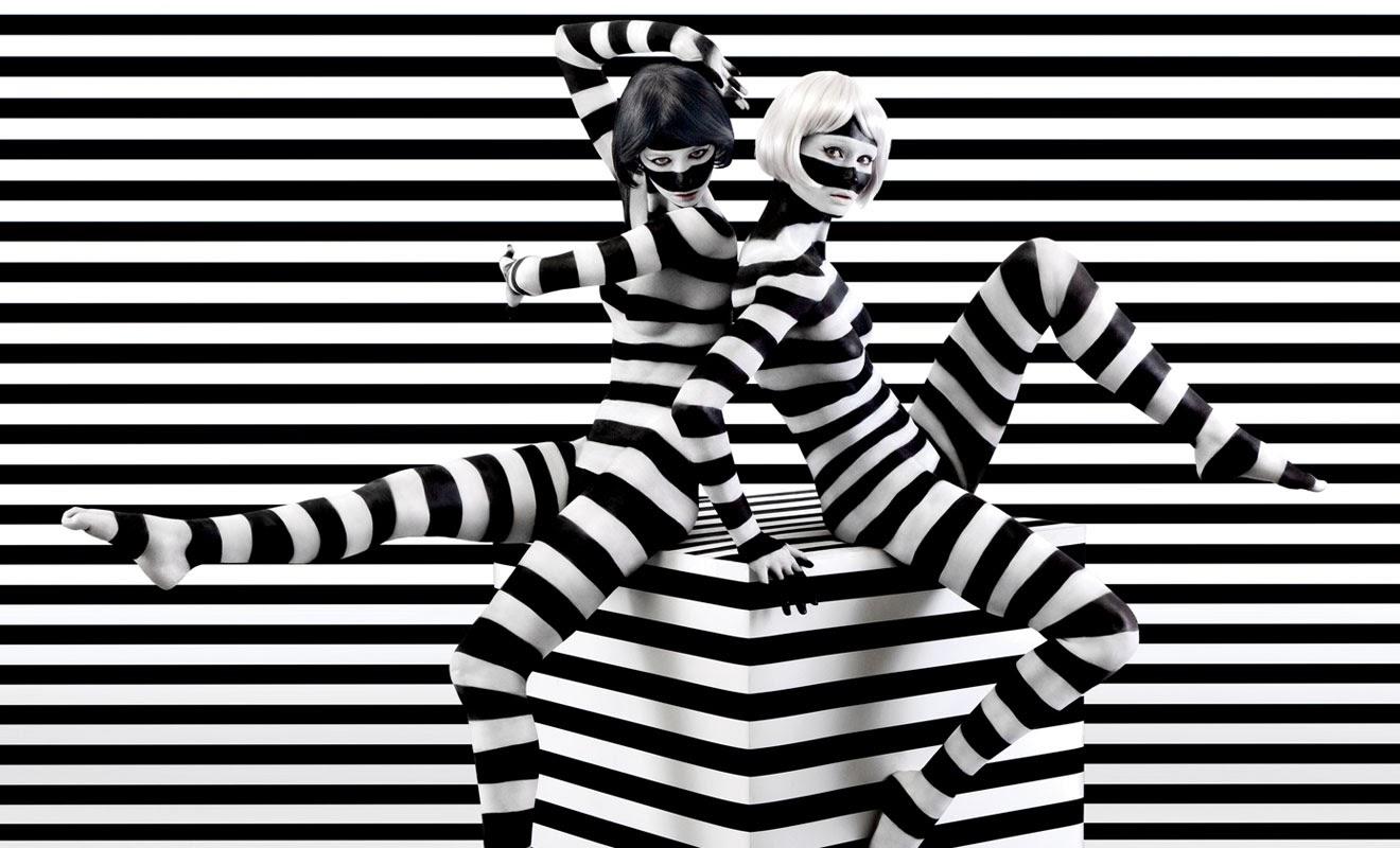 05-Aishti-Prada-Miu-Miu-YSL-Dolce-&-Gabbana-Dior-www-designstack-co