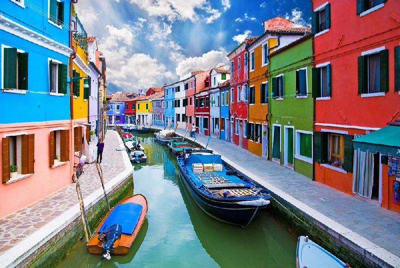 Tiny towns Burano, Italy