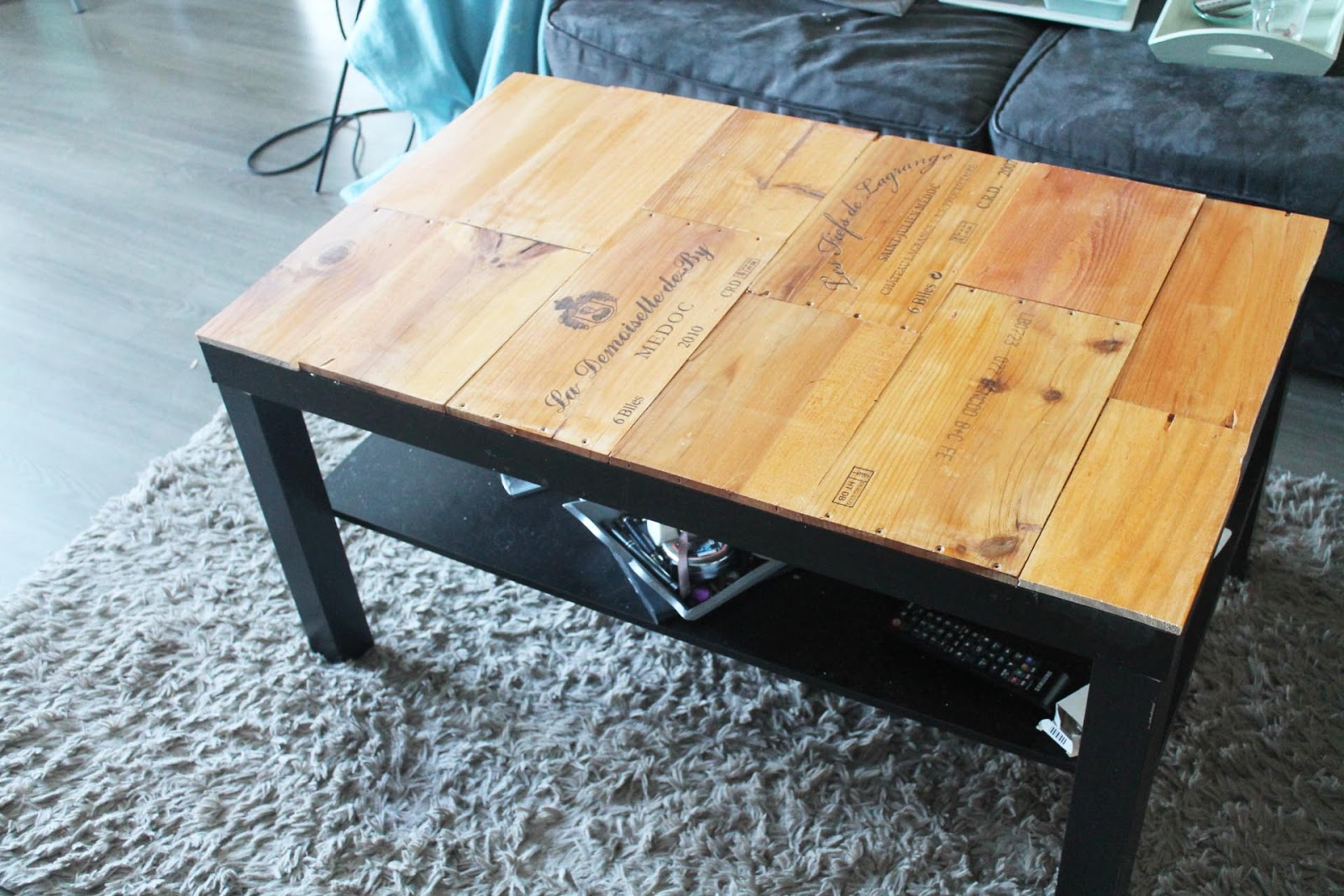 Customise ta table basse avec des caisses de vin for Idee table basse recup