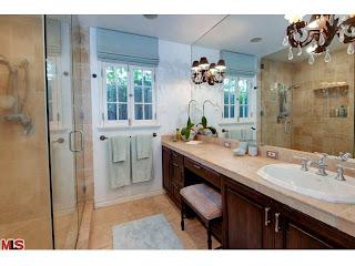 bath Coolest House on Caravan! 2252 Linnington Ave   Westwood