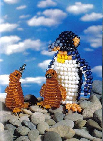 Пингвины из бисера объемные