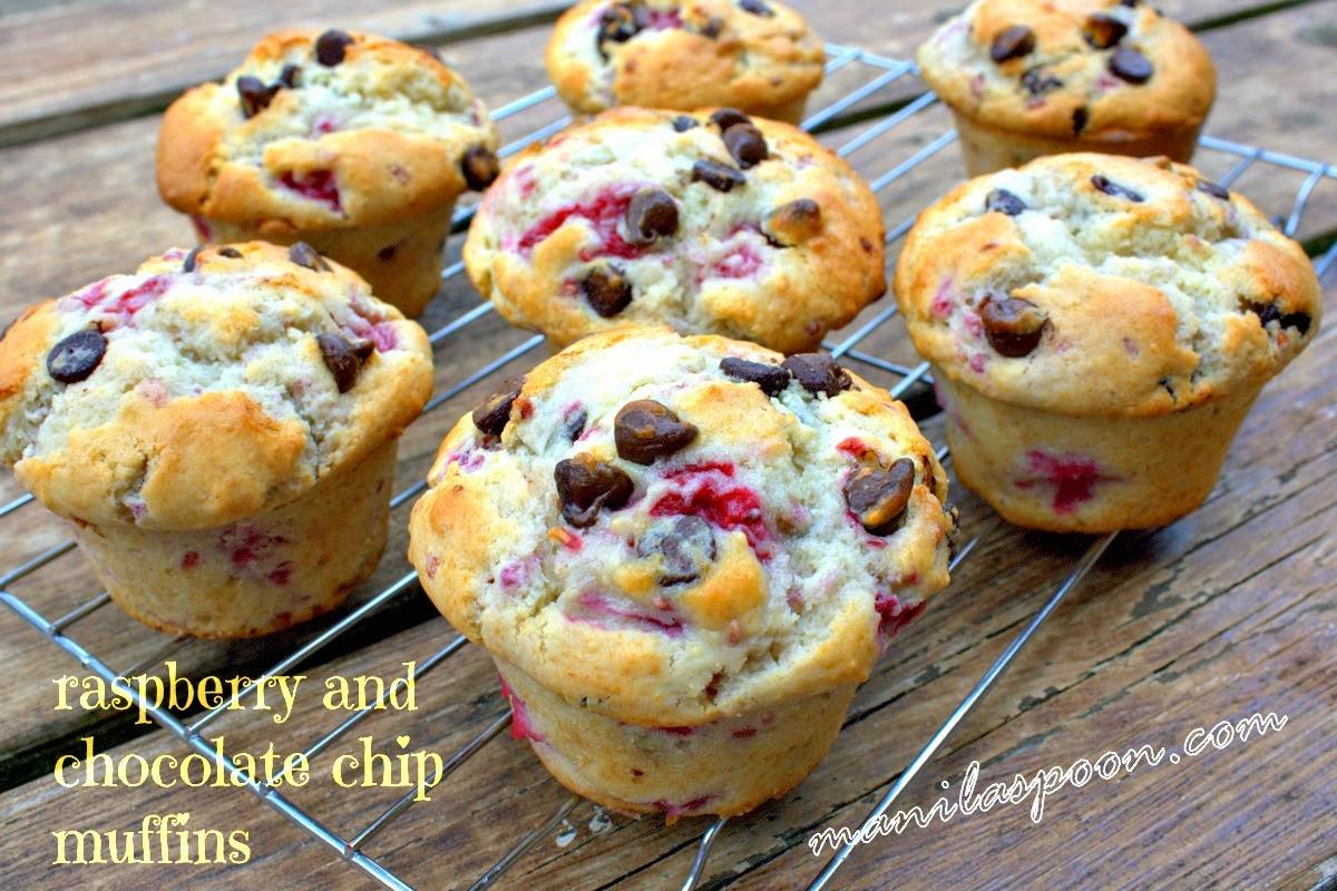 Manila Spoon: Raspberry Chocolate Chip Muffins