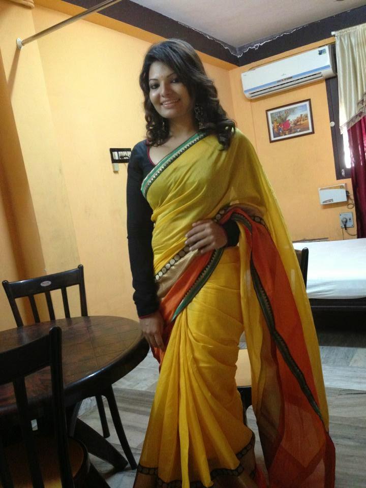 Sandra Thomas In Yellow Saree Sexy Photos Malayalam ...
