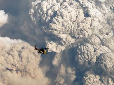 impresionante foto del volcan chileno puyehue que hizo erupcion 2011