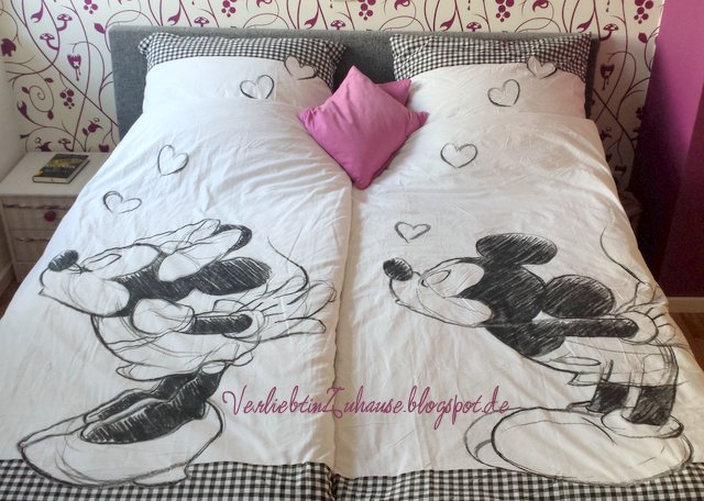 verliebt in zuhause typisch mickey typisch minnie. Black Bedroom Furniture Sets. Home Design Ideas