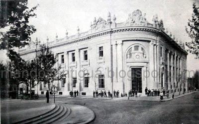 Vista exterior del edificio del banco de mendoza casa for Pagina del banco exterior