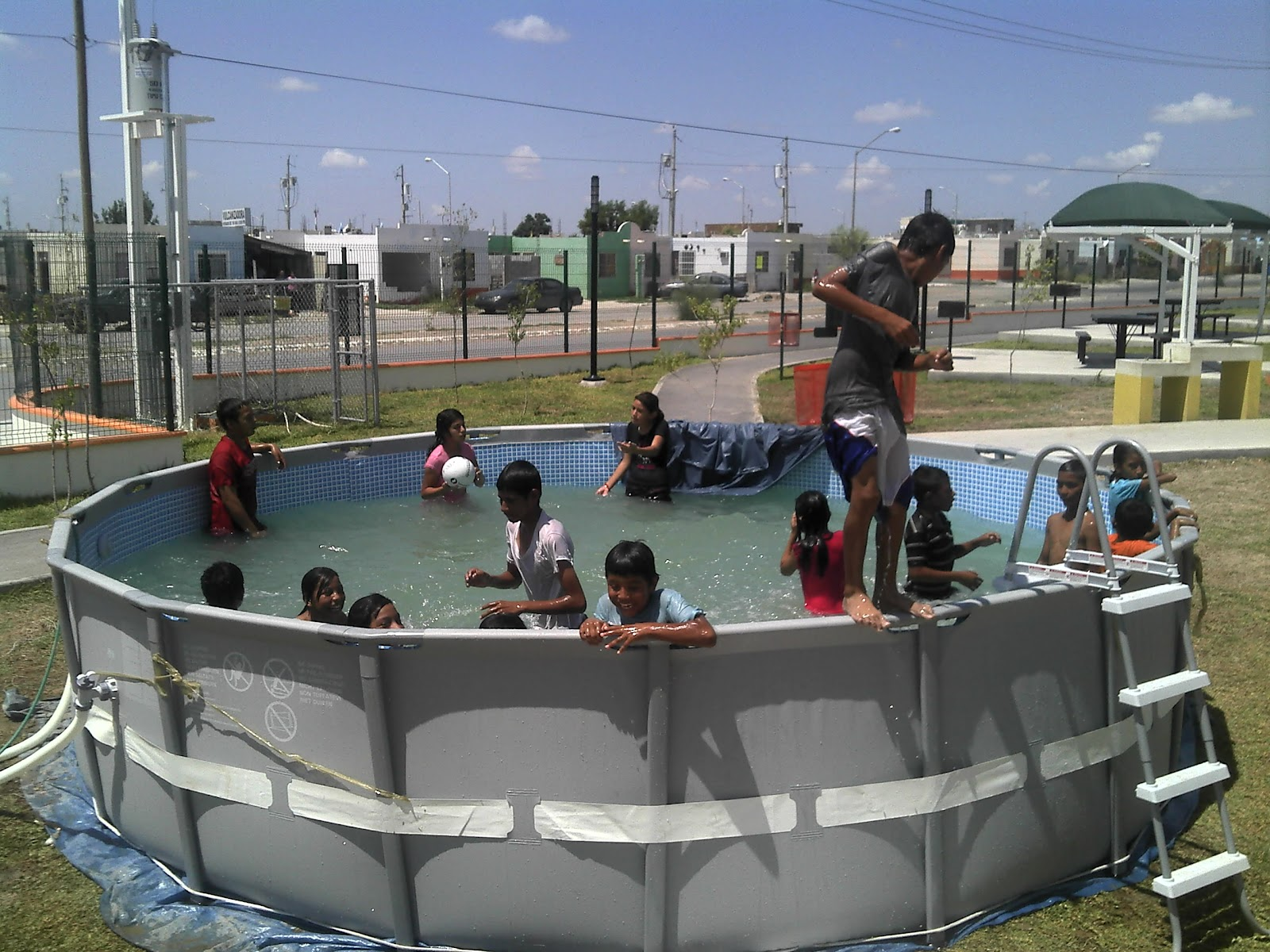 Instala gobierno municipal 8 albercas m viles nuevo for Albercas portatiles rectangulares