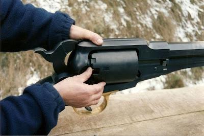 COOL : Inilah Revolver Terbesar Di Dunia Pernah Dicipta