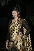 Anchor Shila Chakravarthy latest black saree Photos-thumbnail-16