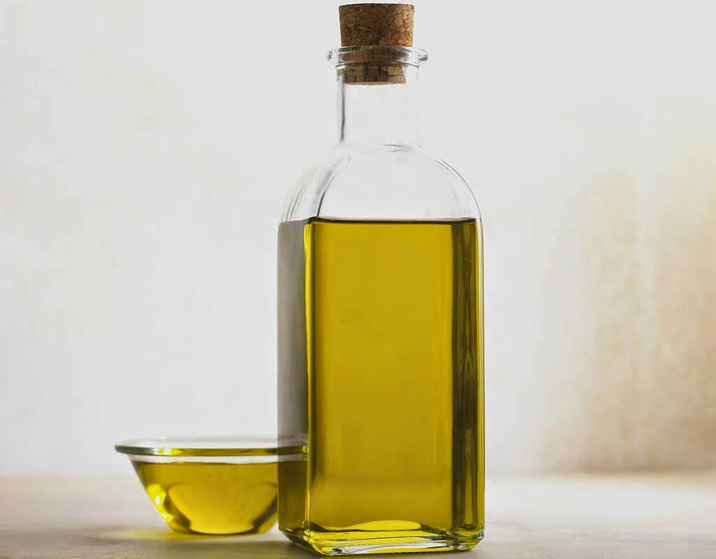 Olive oil contains anti-aging elements and vitamins E and A, and antioxidants that are useful. Thus benefits of olive oil for skin are vital, although you can use almond, coconut or jojoba oil instead.