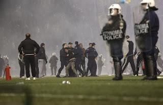 Ο ΣΤΟΧΟΣ: Επιβολή «Στρατιωτικού Νόμου» σε Όλο τον Κόσμο… Στην Ελλάδα, «Μέσο Πίεσης» τα Επεισόδια στο Ντέρμπι