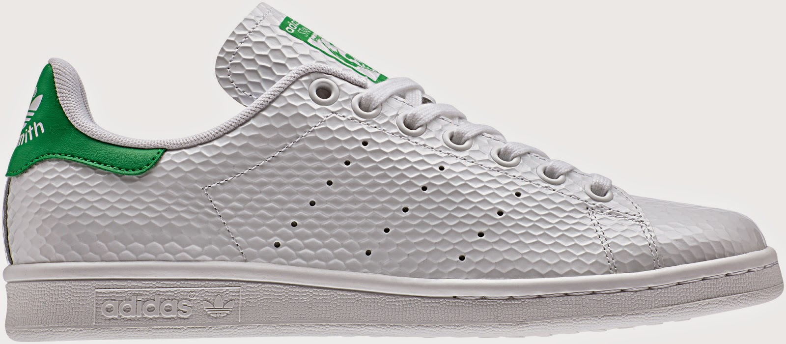 Offered in the original white green colourway and a complimentary  white black edition 3e966cc127e51