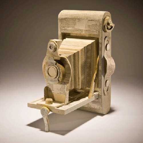 13-Folding-Camera-Ching-Ching-Cheng-Vintage-Camera-Sculptures-Made-of-Books-and-Maps-www-designstack-co