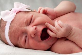 أسباب بكاء الأطفال خلال الأشهر الأولى.....