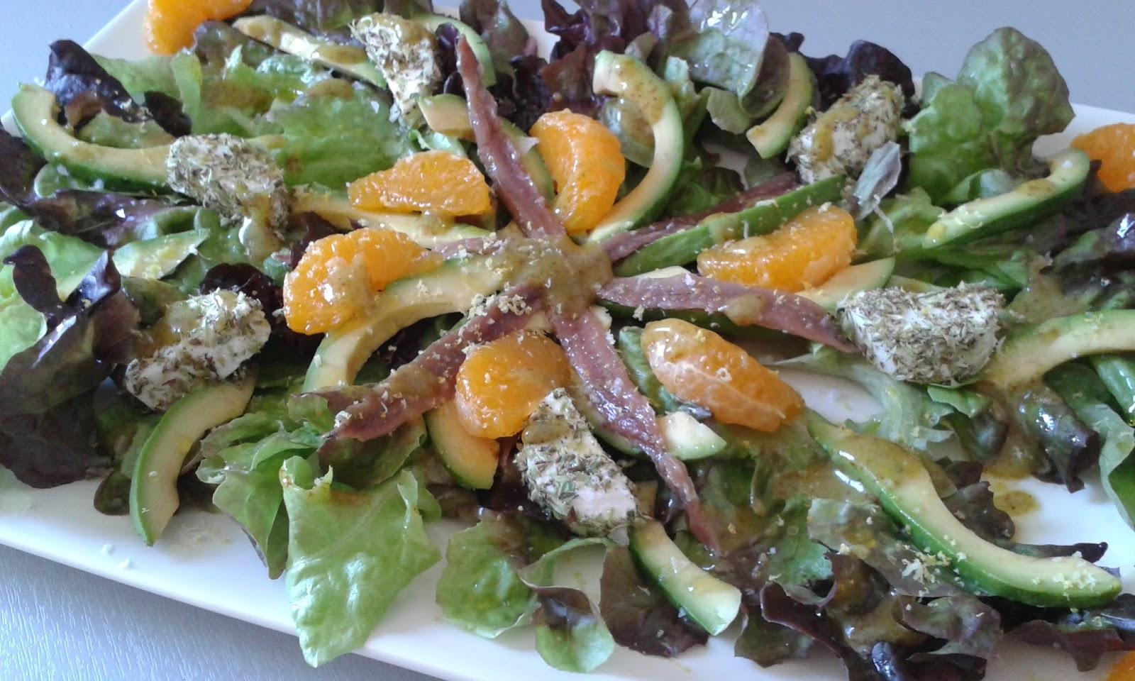 Caprichos de mayte ensalada de hoja de roble con aguacate mandarina y ali o de albahaca - Diferentes ensaladas de lechuga ...