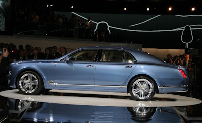 2011_Bentley_Mulsanne_Side_View