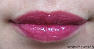 186 Berry Persistent shine caresse lip swatch