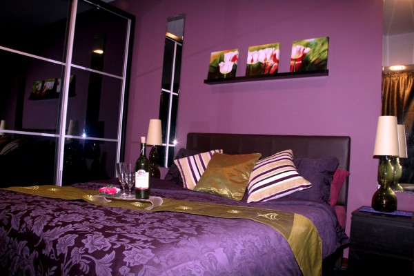 Habitaciones con paredes violetas dormitorios con estilo for Violet bedroom designs