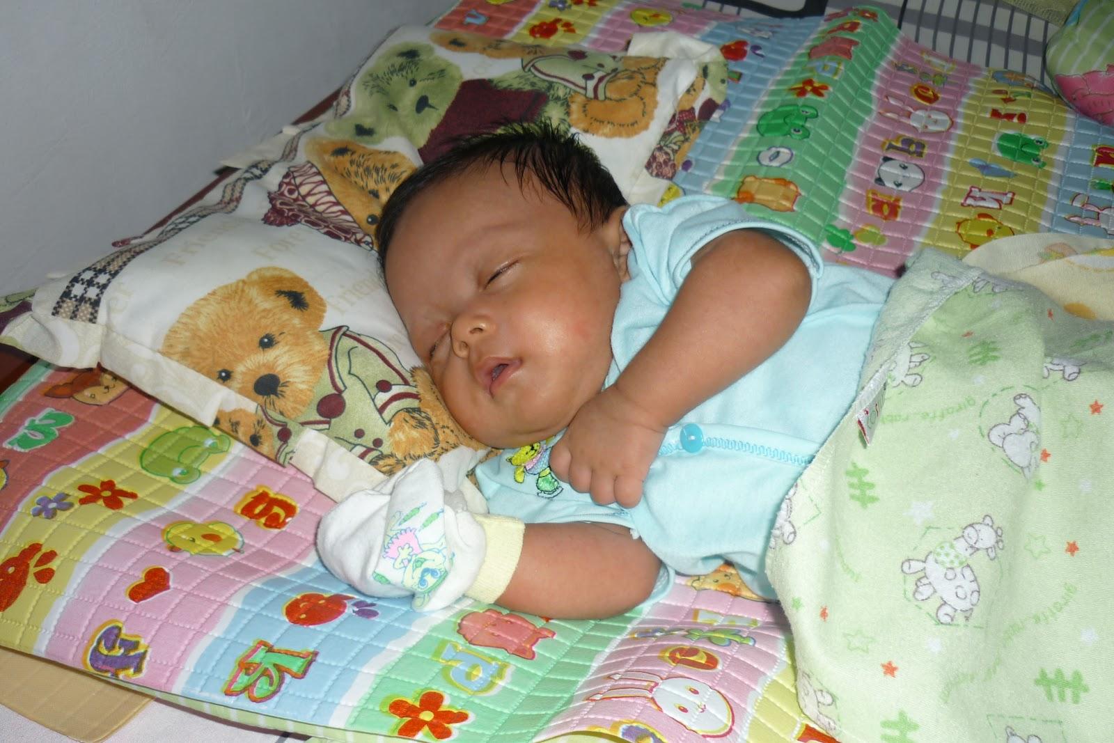 perkembangan bayi usia 2 bulan yang perlu anda ketahui
