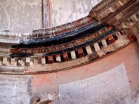 Decoració neoclàssica de l'interior de Sant Sadurní