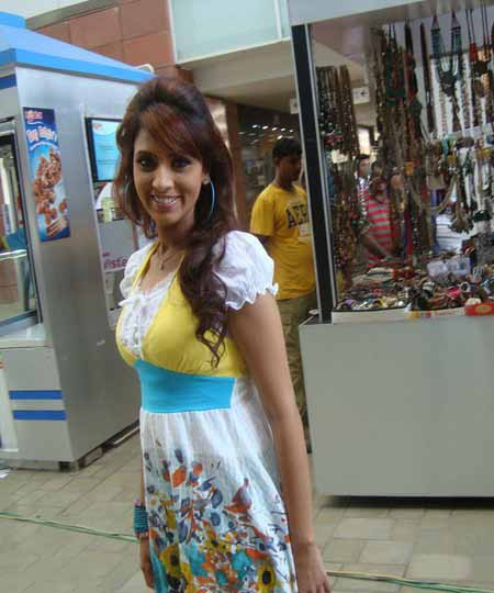 Choti Model Of Bangladesh http://www.zimbio.com/Bangladesh/articles/z90FUhBhlk9/Bidya+Sinha+Saha+Mim+most+popular+sexy+hot