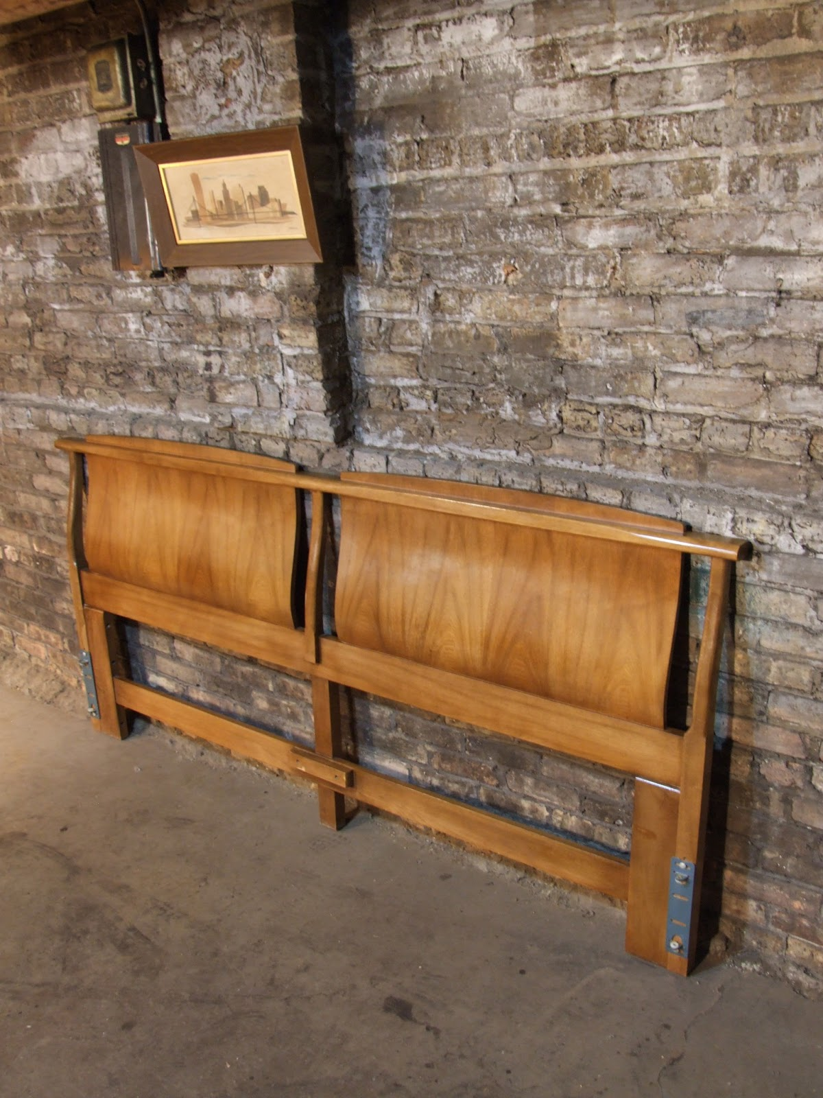 Mid century chicago american of martinsville proscenia for American martinsville bedroom furniture