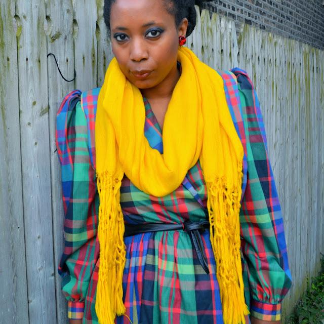 how to wear a plaid dress
