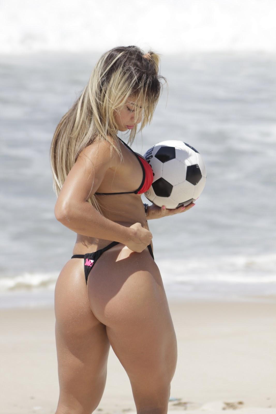 http://4.bp.blogspot.com/-pDWEy05kwQI/UGPJw-W2AZI/AAAAAAAADpQ/7la0jjBdj28/s1600/Priscila-Freitas-musa-do-Flamengo-+(3).JPG