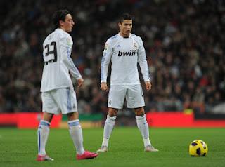 Cristiano Ronaldo selalu mengigatkan Ozil untuk membaca Bismillah
