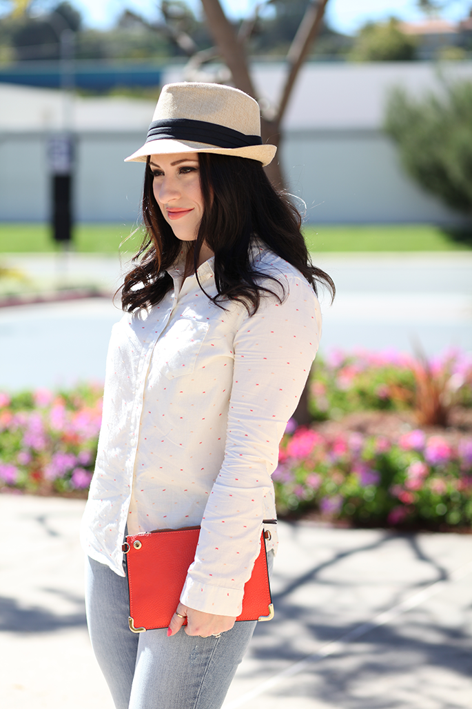 spring-outfit-ideas-tan-fedora-with-black-band-madewell-button-up-orange-leather-pouch-king-and-kind-fashion-blog
