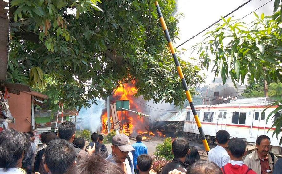 Tragedy Train Crashes Into Gas Tanker in Bintaro