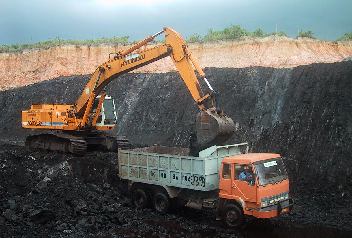 N Scale Coal Mine http://www.energyspectrumindo.com/2012/06/indonesian-coal-miner-toba-bara-cuts.html