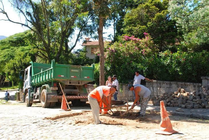 Rua Antônio Salazar, na Vila Mariana, na Barra, recebe recomposição de paralelos
