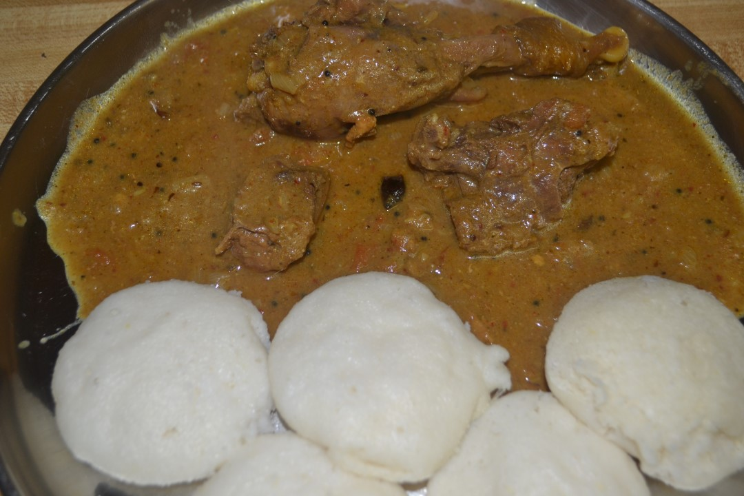 http://foodandbeyondfans.blogspot.com/2013/04/nattu-kozhi-kuzhambucountry-chicken.html