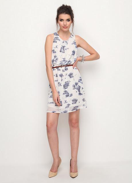 desenli kısa mavi yazlık elbise