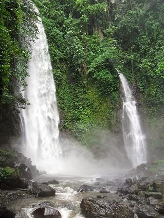 Air Terjun Tahapan Telu Kali Manado