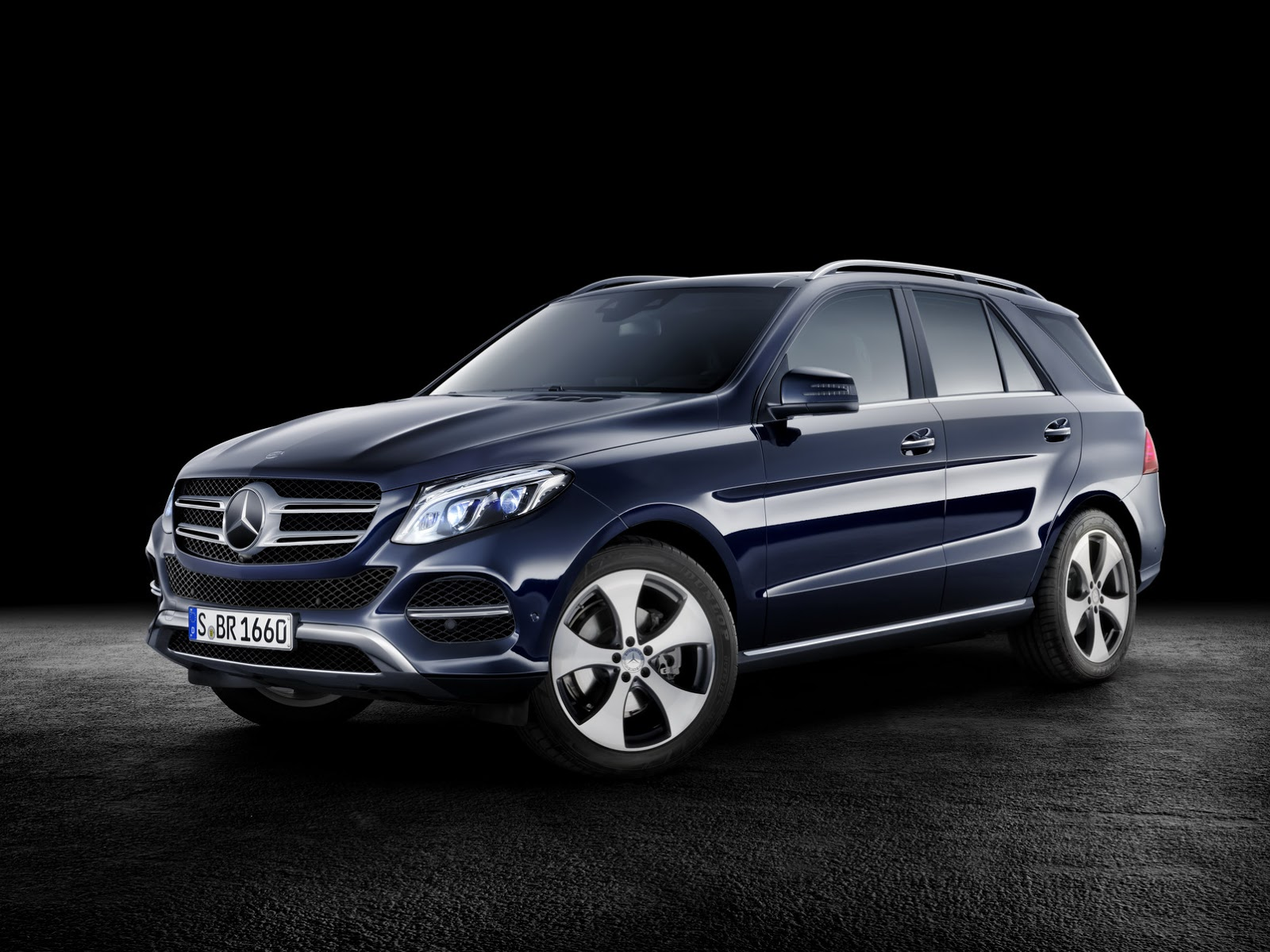 2016 mercedes benz gle officially breaks cover 66 hd photos carscoops