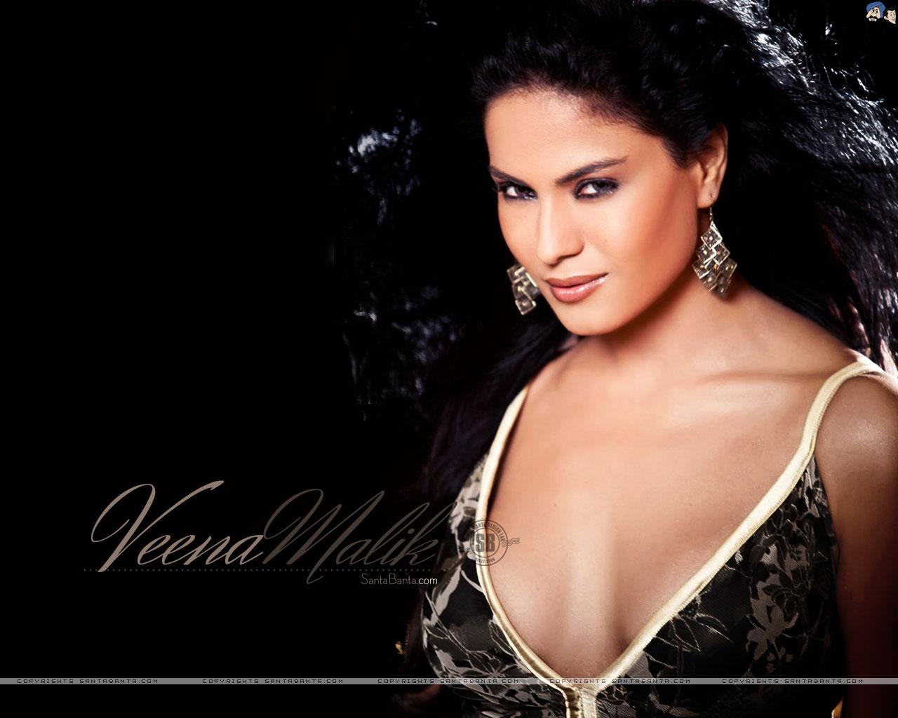 Blue pictures of veena malik Veena malik blue movie Bollywood HotSpots